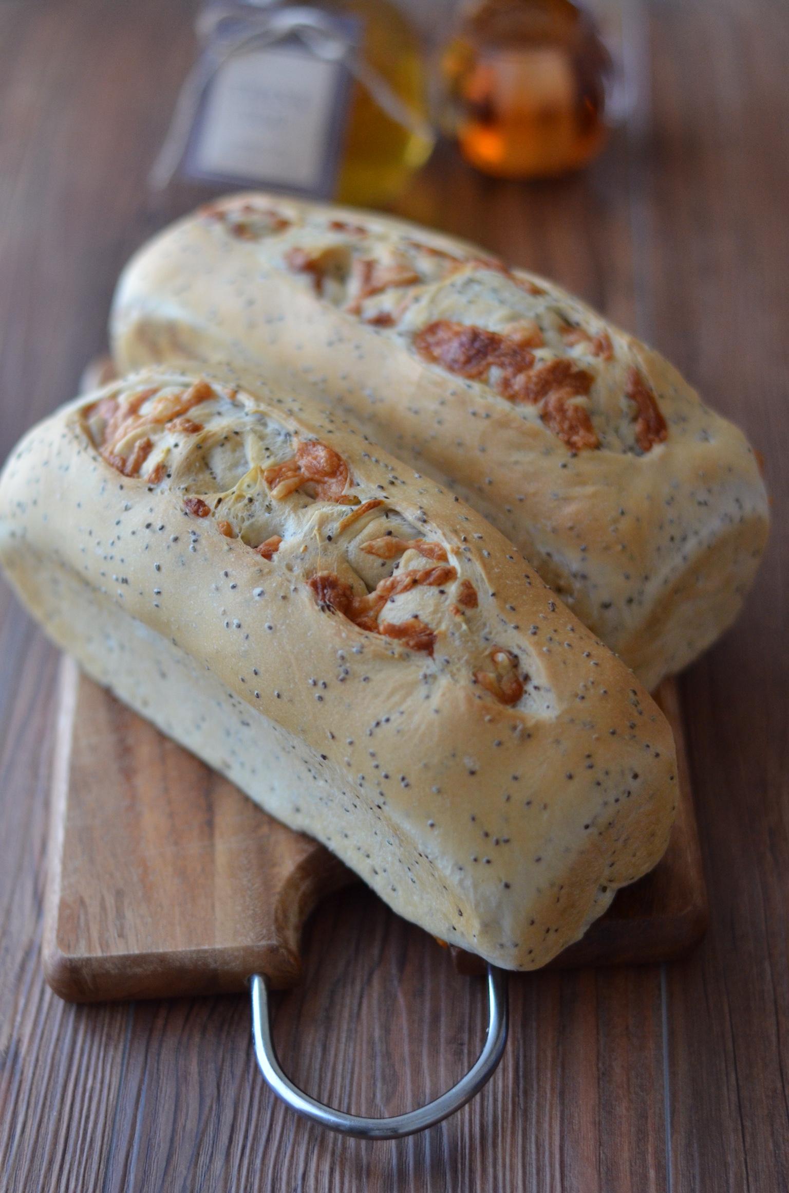 スーパーフード!プチプチ♪チアシード入りチーズパンで美味しく美活レシピ